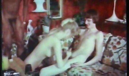 सुनहरे बालों के छोटे स्तन एक खूबसूरत आदमी हिंदी में सेक्सी मूवी वीडियो में से उसे रोकने नहीं किया