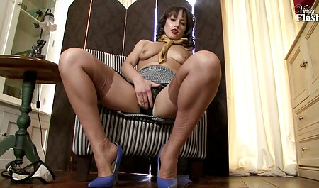 खुद के सेक्सी मूवी वीडियो में सेक्सी लिए सुंदर लड़की एक अविस्मरणीय खुशी