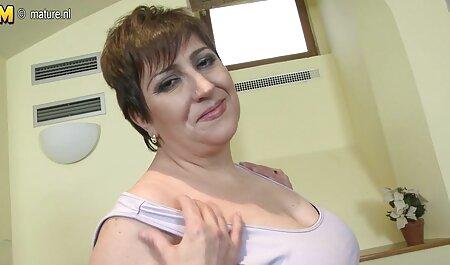 ग्राहक के सीमित स्थान मूवी सेक्सी वीडियो में के एक सदस्य की मालिश