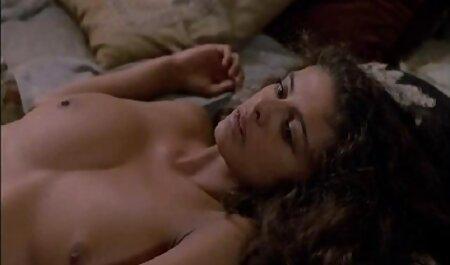 सुंदर प्रेस दीवार में एक लड़की और उसे सेक्सी वीडियो मूवी हिंदी में गधे को चूम