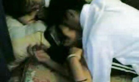 पति गोरा के साथ बिस्तर के माध्यम से एक नौकरी नहीं हिंदी में सेक्सी मूवी है