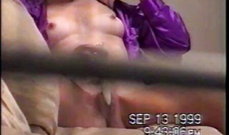 वह सेक्सी मूवी वीडियो में बस में यौन संबंध है