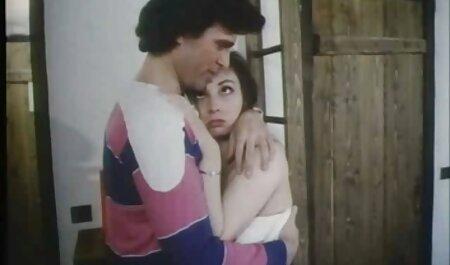 बालों वाले प्यार जो हिंदी सेक्सी मूवी वीडियो में बेचैन एशियाई आदमी