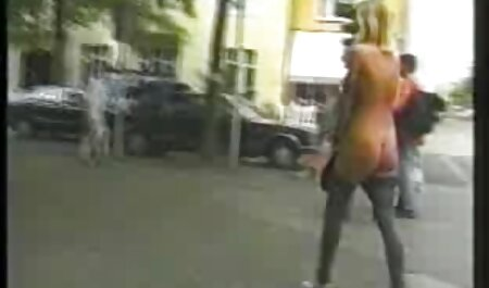उसे सेक्सी में हिंदी मूवी दौड़ के लिए सुंदर जवान औरत