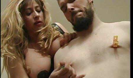 सेक्सी जवान औरत फुल मूवी सेक्सी वीडियो में एक युवक,