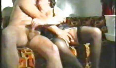 लड़की उन्हें हिंदी में सेक्सी मूवी फिल्म स्कोर करने के लिए लूटने के लिए एक आदमी की अनुमति देता है