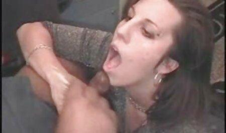 गोरा उसके सेक्सी वीडियो में मूवी प्रेमी को आमंत्रित किया और प्रेमिका सेक्स सिखाना