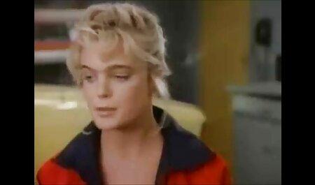 चिकन ट्रंक में बैठते सेक्सी फुल मूवी वीडियो में हैं