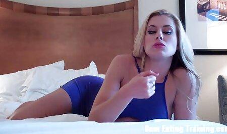 एक मूवी सेक्सी पिक्चर वीडियो में पागल लड़की के चेहरे पर